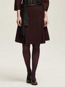 Side Pleated Skirt - 까이에